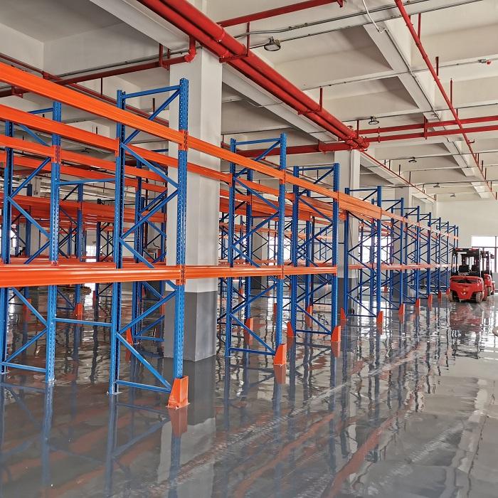 Intelligent management warehouse